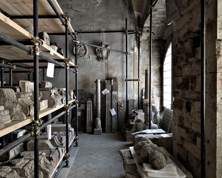 Lapidario di Palazzo Mozzi Bardini, Firenze, 2009 | photo © Massimo Listri