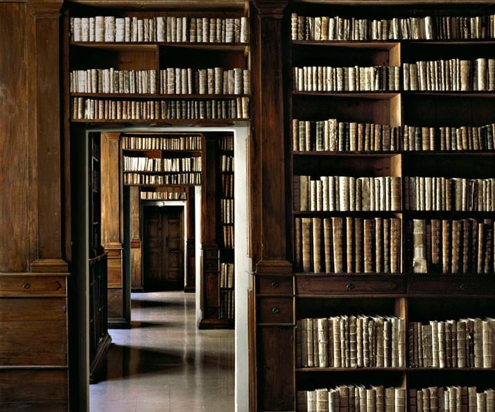 Biblioteca Nazionale di Napoli, Italy, 2002 | photo © Massimo Listri