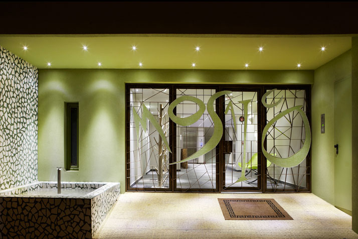 photo © Pavlos Tsokounoglou, MAISON & DECORATION Image Courtesy of T.C.T MEDIA GROUP PUBLICATIONS, GREECE. All rights reserved.