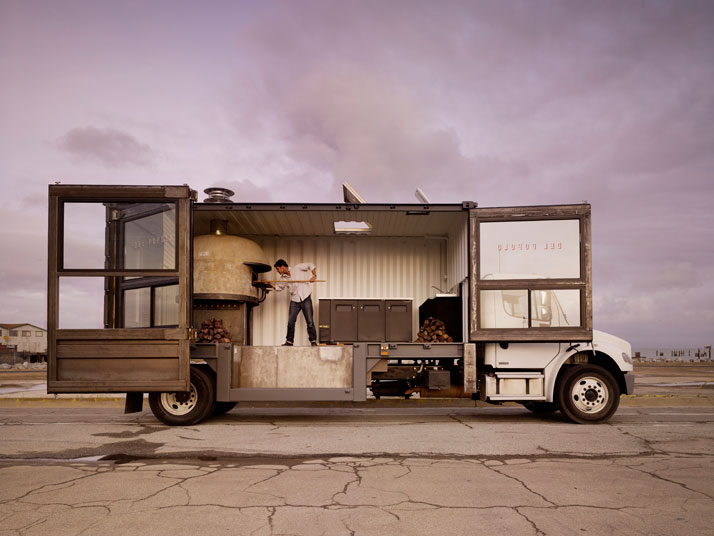 Jon Darsky & his mobile pizzeria Del Popolo Photo © Matthew Millman