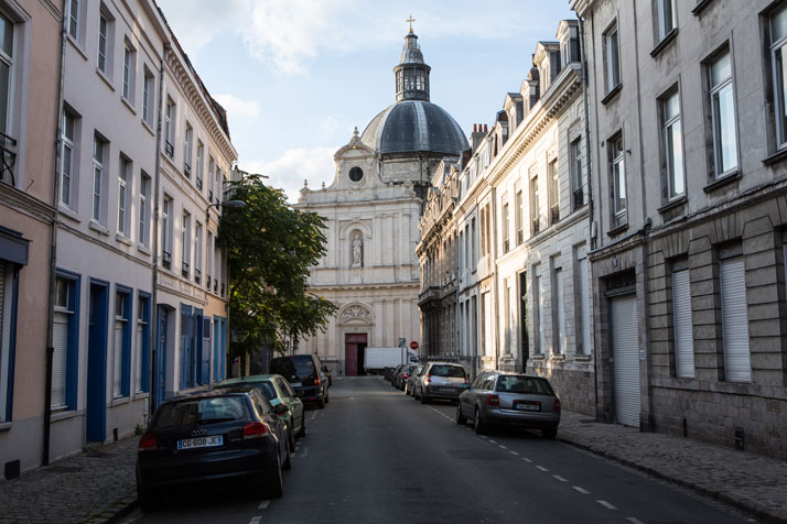 Sainte Marie Madeleine Church, Lille, France // photo © Studio Roosegaarde