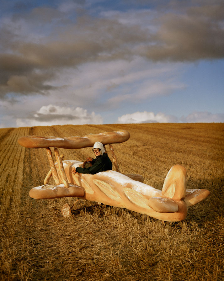 Rollo Hesketh-Harvey & his baguette biplaneEglingham Hall, Northumberland, 2009photo © Tim Walker