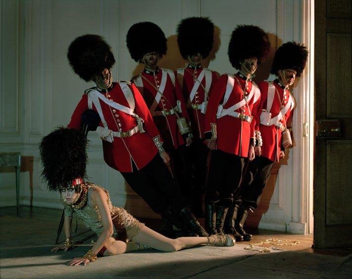 Malgosia Bela & five guardsmenGlemham Hall, Suffolk, 2009photo © Tim Walker