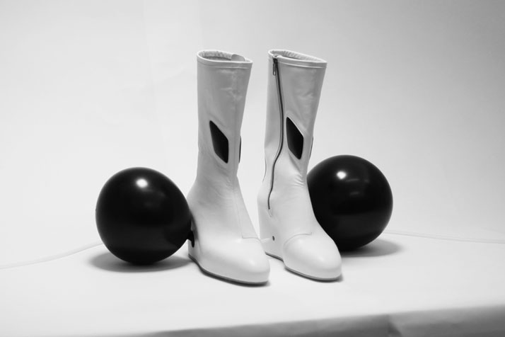 Turbulence  Boots, photo © Benjamin John Hall