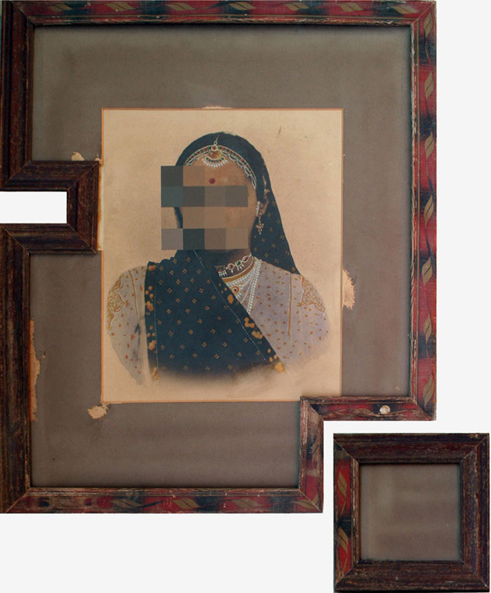 Nandan Ghiya / #61, Download Error, 2011Acrylic on Photographs & Wooden FramesTaille : 74x61cmphoto © Galerie Paris-Beijing