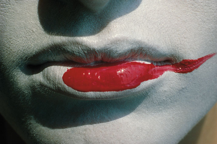 Helmut Newton, Rouge à lèvres étalé, Vogue France, 1983, Parisphoto © Helmut Newton Estate