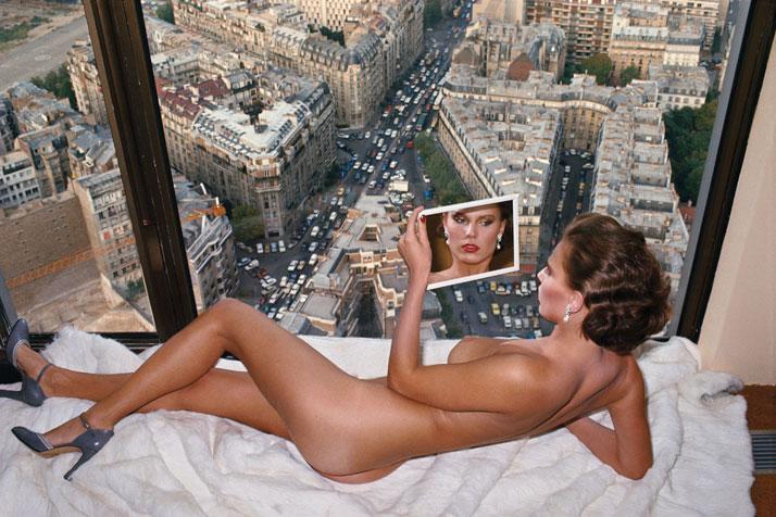 Helmut Newton, Bergstrom, au-dessus de Paris, 1976, Parisphoto © Helmut Newton Estate