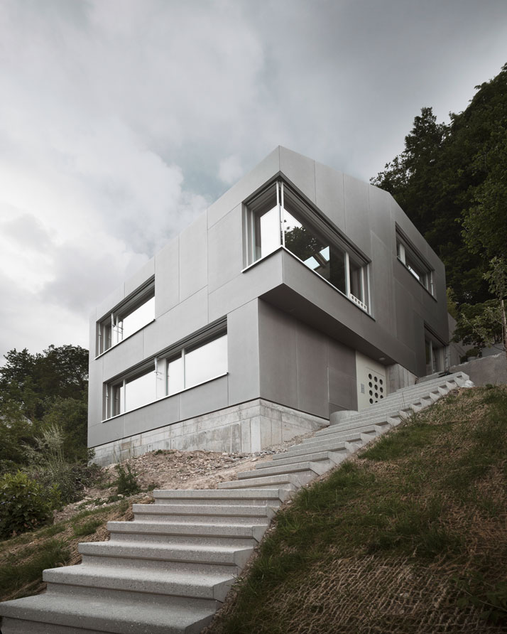 Single family house by andreas fuhrimann gabrielle h chler for Architecture zurich