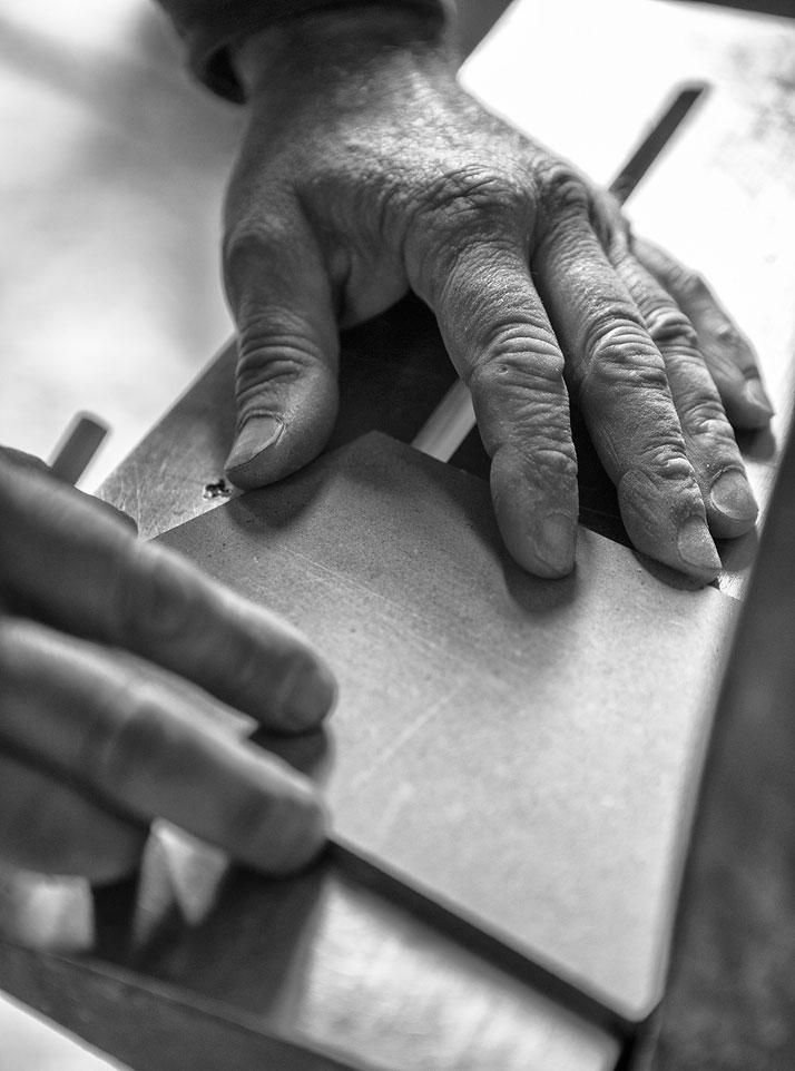 Five. Galleria Paolo Curti & Annamaria Gambuzzi, lacquered wood (making of)photo by Emanuele Zamponi, Courtesy of Vacheron Constantin