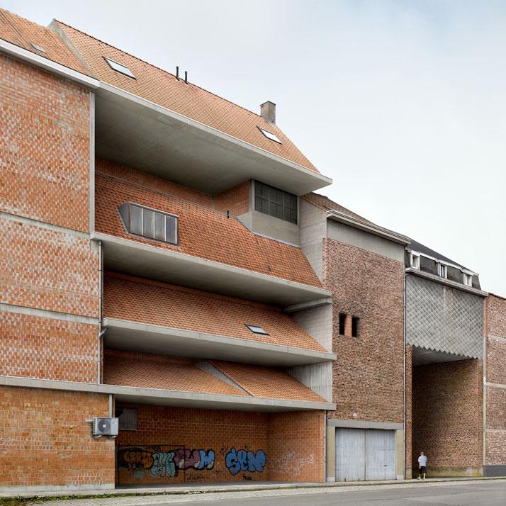 dis location by filip dujardin at the highlight gallery tentoonstelling side walls filip dujardin vai