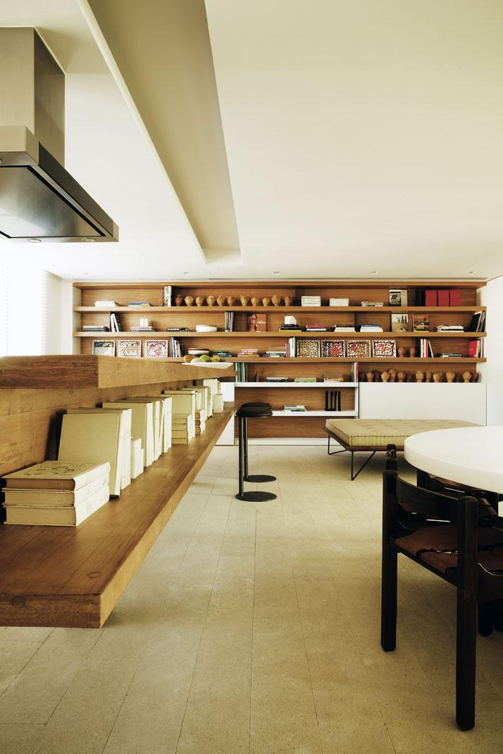 a penthouse by arthur casas in urca rio de janeiro brazil yatzer. Black Bedroom Furniture Sets. Home Design Ideas