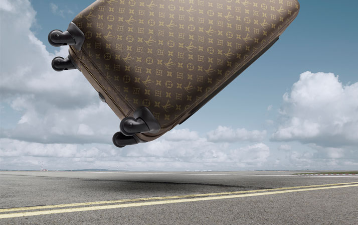 Louis Vuitton's new four-wheeled suitcase. Pégase series.photo © Louis Vuitton