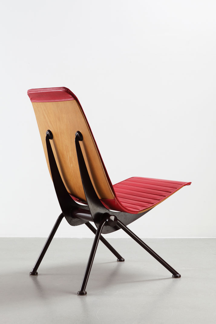 Fauteuil léger No 356, a.k.a. «Antony chair»,