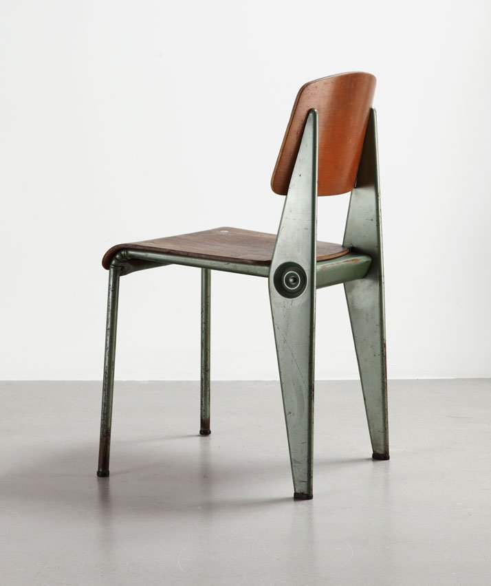 Cafétéria N°300 demountable chair, ca.1950Bent sheet steel and molded plywoodCollection Laurence and Patrick Seguin © Galerie Patrick Seguin