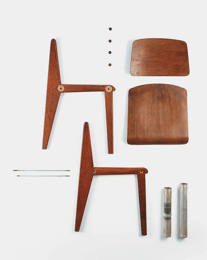 Demountable wooden chair CB 22, 1947Solid wood, molded plywood and aluminum tubeCollection Laurence and Patrick Seguin © Galerie Patrick Seguin