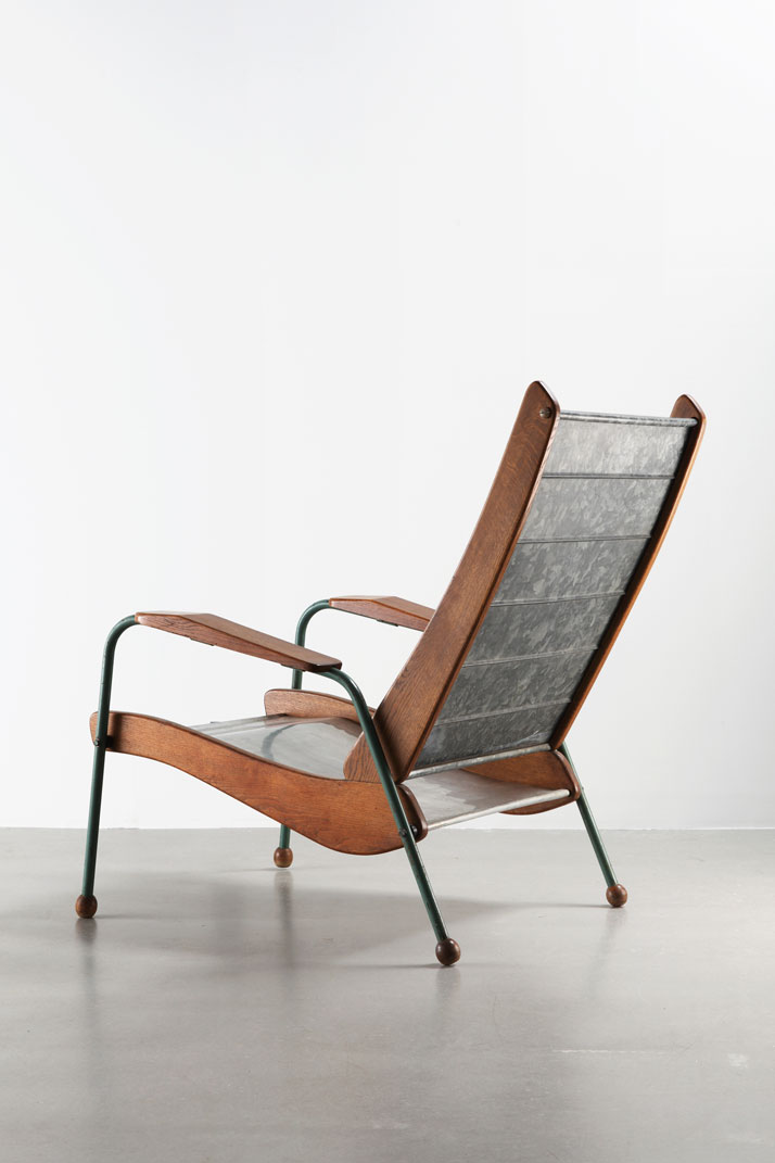 Colonial-type Armchair N° 352, variation, ca.1952Steel tube, aluminum sheet, galvanized steel sheet and woodCollection Laurence and Patrick Seguin © Galerie Patrick Seguin
