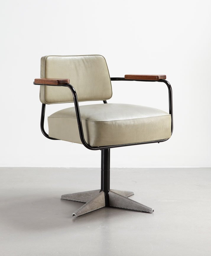 "Direction No 353 swiveling office chair, 1951Bent sheet steel, steel tube, sheet aluminum ""diamond point"" motif, leatherette and woodCollection Laurence and Patrick Seguin © Galerie Patrick Seguin"