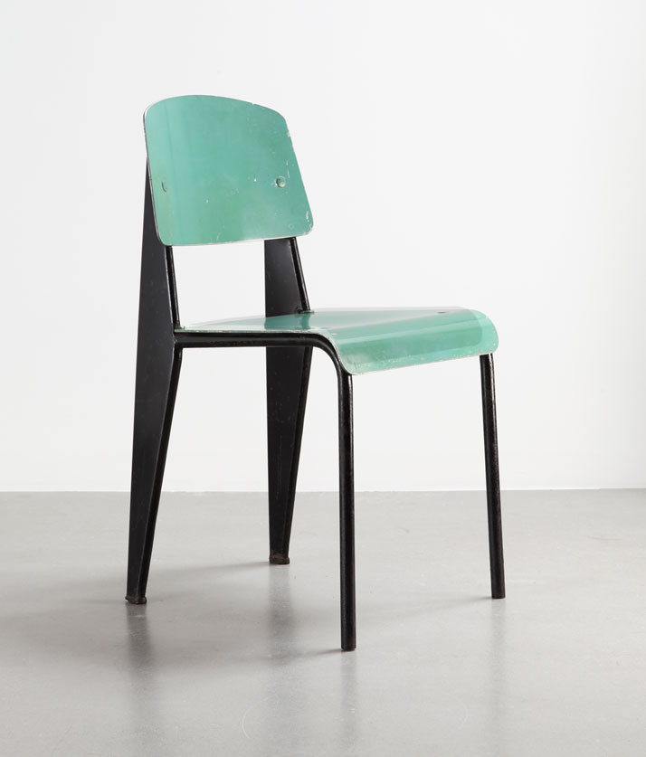 Métropole No 305 chair, version with seat and backrest in aluminum, ca. 1953Bent sheet steel, steel tube and sheet aluminumCollection Laurence and Patrick Seguin © Galerie Patrick Seguin