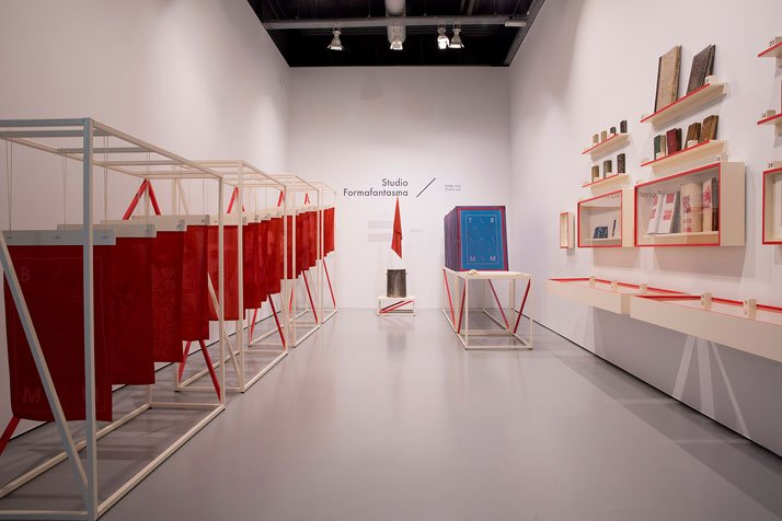 ''Turkish Red and more'' exhibition curated by Caroline Boot // exhibition design by Studio FormafantasmaInstallation view, Textiel Museum Tilburg, Fe