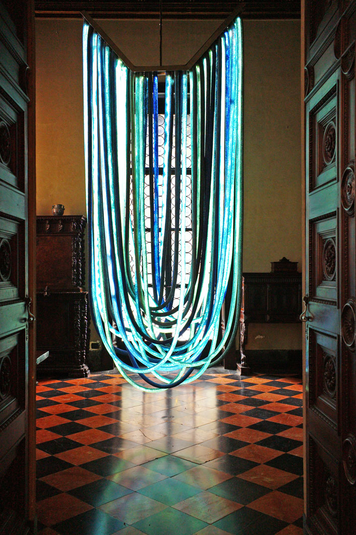 Blue Chandelier designed and realized by Nacho Carbonell for Vionnet. LED, rubber tubes, broken glass. Photo by Tatiana Uzlova.