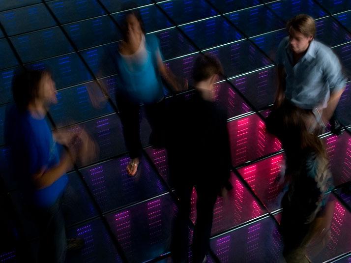 SUSTAINABLE DANCE FLOOR by Daan Roosegaarde. Photo © Studio Roosegaarde..