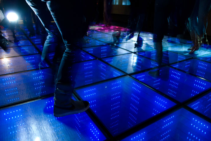 SUSTAINABLE DANCE FLOOR by Daan Roosegaarde. Photo © Studio Roosegaarde.