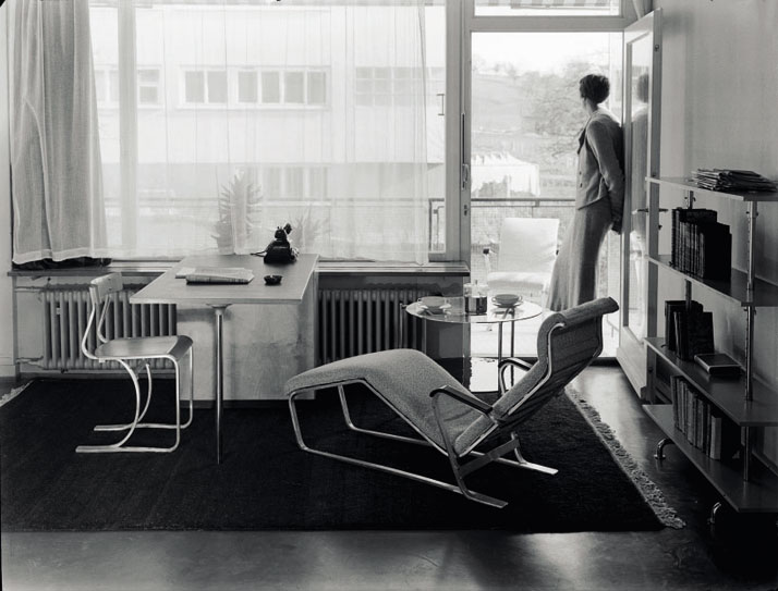 Show  apartment on the Werkbund 'Neubühl' housing project, Zurich, around  1934; chair, desk, chaise longue and shelves, by Marcel Breuer.© Photo Hans Finsler-Staatliche, Galerie MoritzburgHalle, Landeskunstmuseum Saxe-Anhalt, Hans Finsler collection.