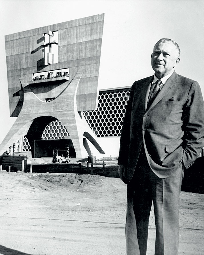 Marcel Breuer at St John Abbey and the university complex, Collegeville, Minnesota (1954-1968, with Hamilton P. Smith).© Minneapolis Star and Tribune