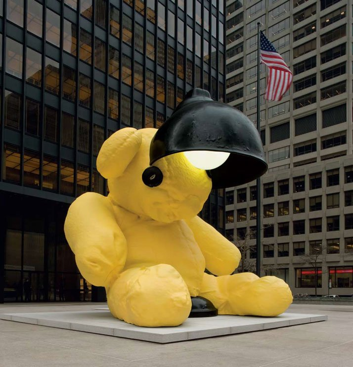 Urs Fischer / Untitled (Lamp/Bear), 2005-6 Edition 1, Seagram Plaza, New York (US).Edition 2, Home of Amalia Dayan and Adam Lindemann, Montauk, New York (US) Cast bronze, epoxy primer, urethane paint, acrylic polyurethane topcoat, acrylic glass, gas discharge lamp, stainless-steel framework 7 x 6.5 x 7.5 metres.Special credits: Galerie Eva Presenhuber, Zurich.