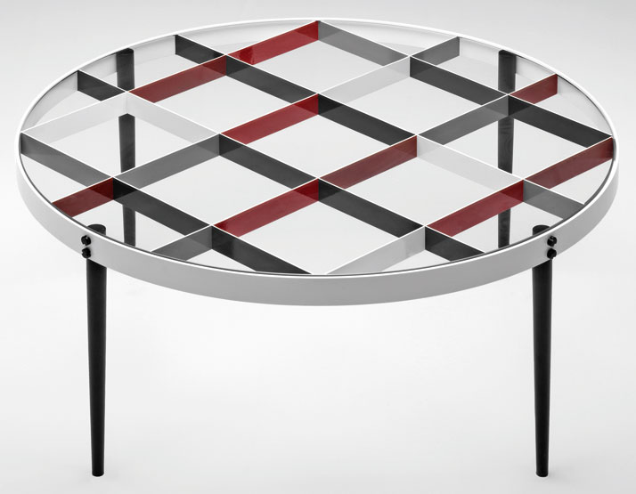 Tea Table designed by Gio Ponti in 1954-1955. Courtesy of Molteni&C.