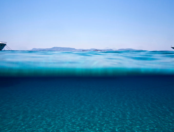 Marina Vernicos, ''Sea Through'' series, Polyaigos, Greece. 118,5x150 cm. Photo Courtesy of the photographer and Zoumboulakis Gallery, Athens, Greece.