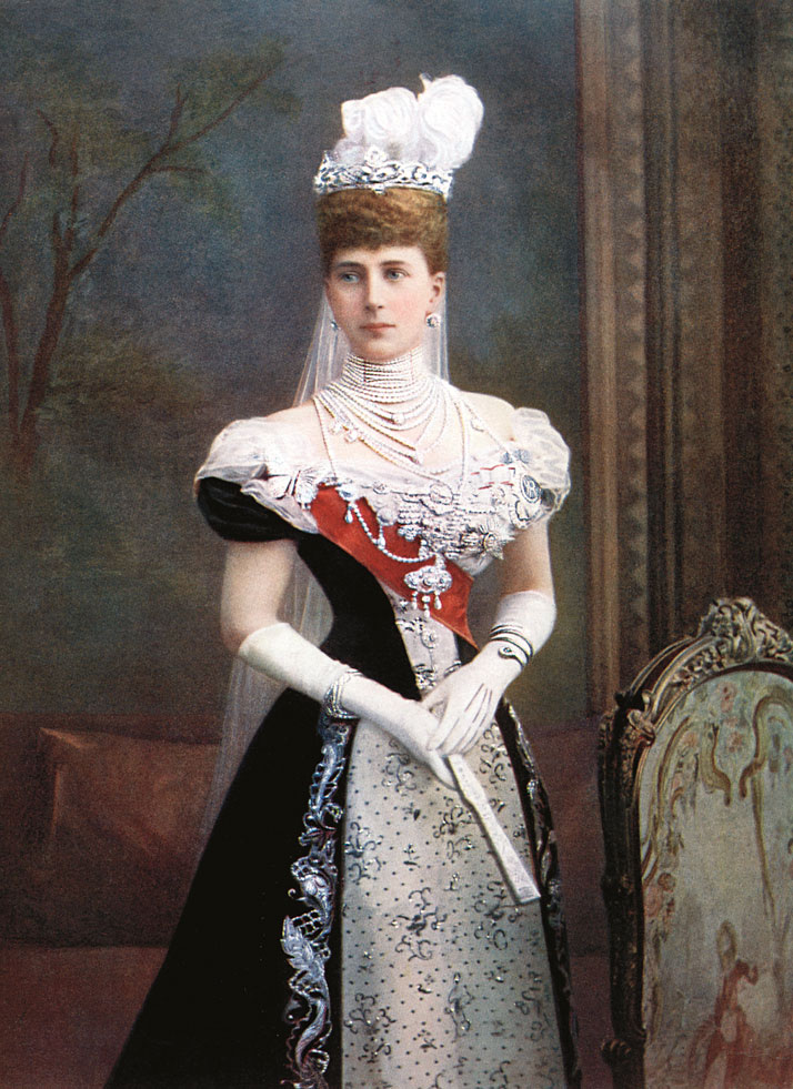 Portrait of Queen Alexandra of England, shown wearing her snake bracelet. Photo ©  The Print Collector / Corbis.