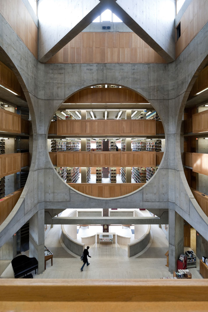 Library, Phillips Exeter Academy, Exeter, New Hampshire, Louis Kahn, 1965–72.© Iwan Baan.