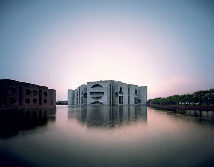 National Assembly Building in Dhaka, Bangladesh, Louis Kahn, 1962–83.© Raymond Meier.