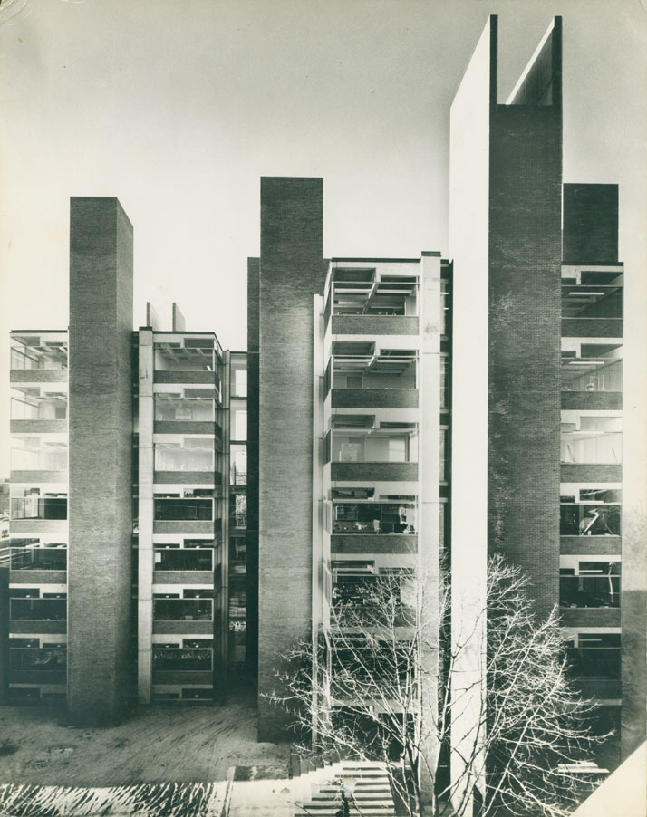 Alfred Newton Richards Medical Research and Biology Building, Philadelphia, Pennsylvania, Lousi Kahn, 1957–65.© The Architectural Archives, University of Pennsylvania, photo: Malcolm Smith.