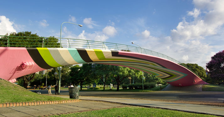 Lang-Baumann, Beautiful Bridge #1, 2011, 68 x 10 m, flat paint. Buenos Aires (Argentina). Courtesy Loevenbruck gallery and Urs Meile gallery. Photo : Lang-Baumann.