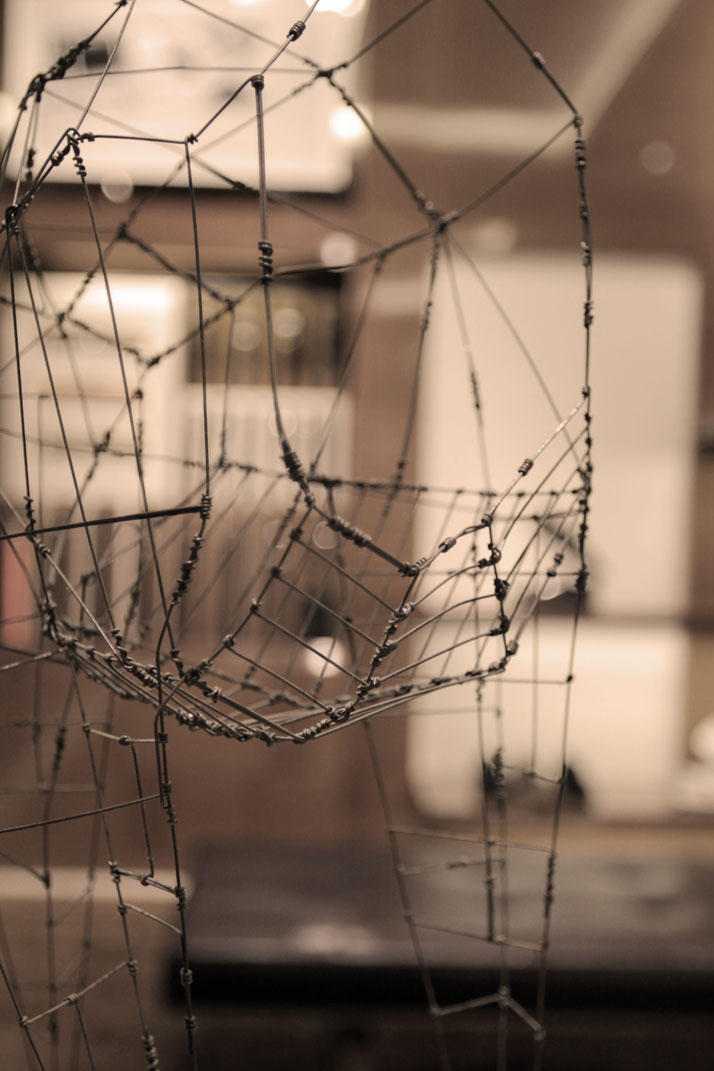 Wire sculpture Yehuda  Gedaliahu, photo © Costas Voyatzis for Yatzer.