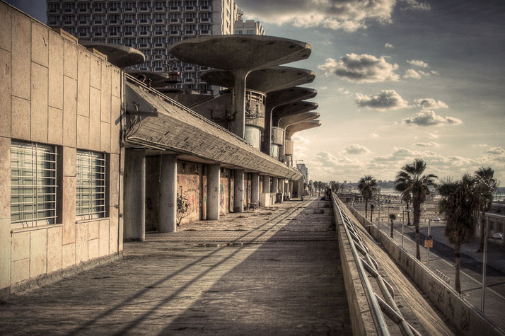 Tel Aviv, photo © Shay Sapir.