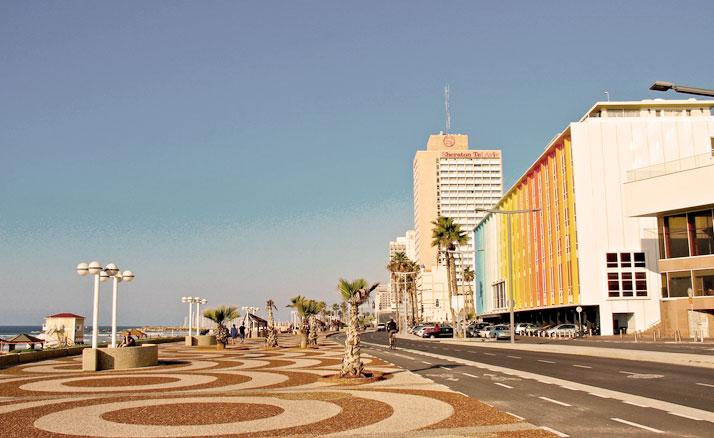 Tel-Aviv's Hayarkon Street, photo © Eric Demarcq.