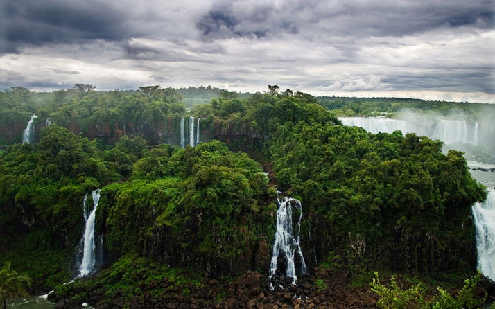 Iguazú Falls, between Argentina and Brazil.photo © comrade_leviathan.