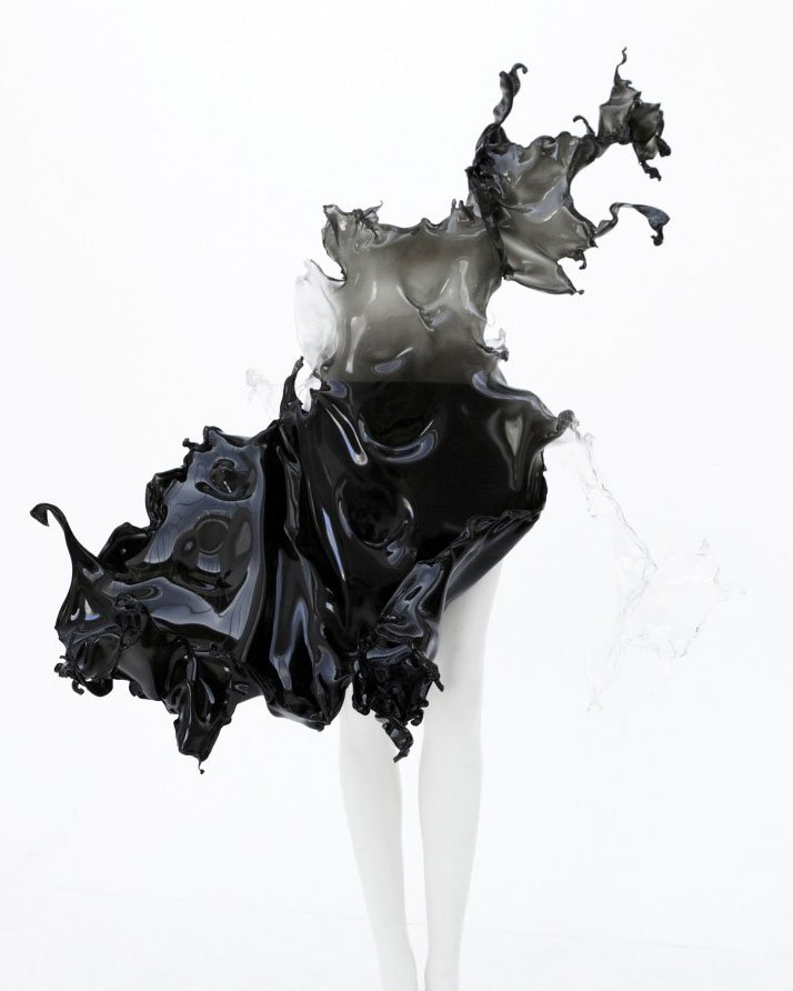 ''Crystallization'' one of a kind dress by Iris Van Herpen. (2013)Iris Van Herpen's collaboration with Nick Knight and Daphne Guinness.