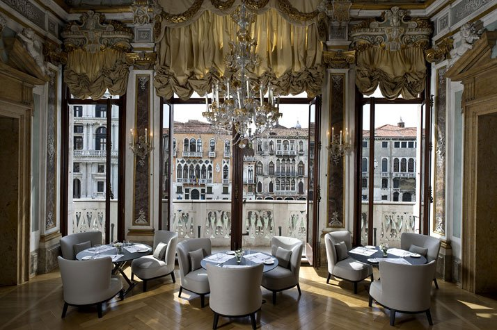 Piano Nobile Dining Room, photo © Aman Canal Grande Hotel, Venice, Amanresorts.