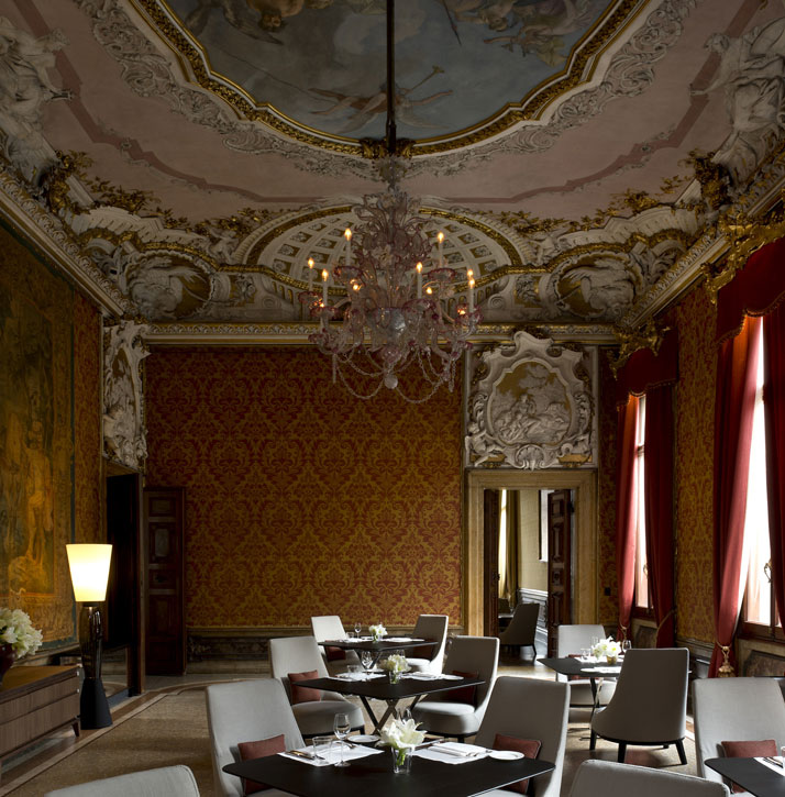 Red Dining Room, photo © Aman Canal Grande Hotel, Venice, Amanresorts.