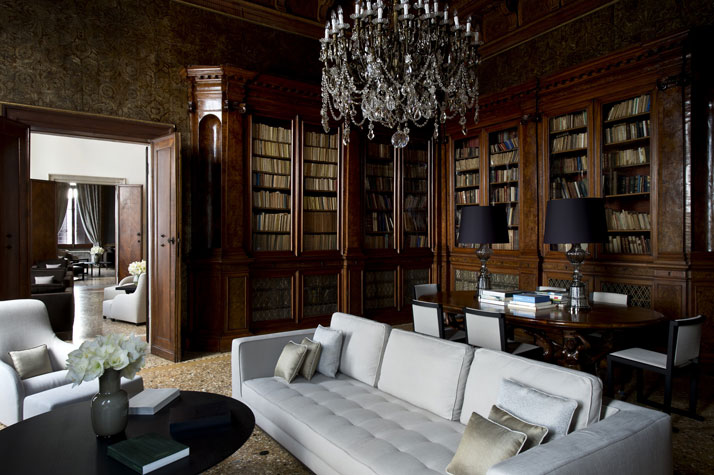 Library,  photo © Aman Canal Grande Hotel, Venice, Amanresorts.
