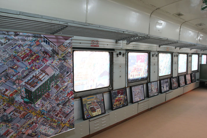 Tongji University Press presented an exhibition of their brand new ''Luminous City'' series inside the carriages of a train. (751)
