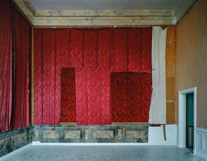 ROBERT POLIDORI''Salle d'introduction aux galleries historiques,  Aile du Nord, Versailles''50'' by 60'' (127 cm by 152 cm)C-print1985/2013Copyright: ROBERT POLIDORI.Courtesy: Mary Boone Gallery and Edwynn Houk Gallery, New York.