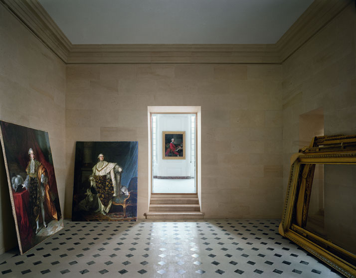 ROBERT POLIDORI''Antichambre du capitaine des gardes, Corps Central, Versailles''50'' by 60'' (127 cm by 152 cm)C-print1986/2013Copyright: ROBERT POLIDORI.Courtesy: Mary Boone Gallery and Edwynn Houk Gallery, New York.