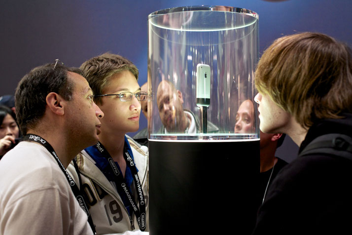 The original iPhone on display at Macworld in San Francisco, January 2007.photo © James Duncan Davidson.