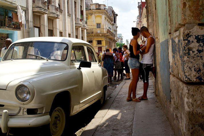 Street scene in Havana, Cuba, April 2013.photo © James Duncan Davidson.