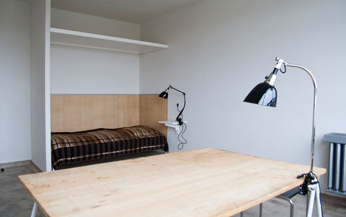 Reconstructed room at Studio Building, Bauhaus Dessau.Photo: Yvonne Tenschert 2013, Bauhaus Dessau Foundation.